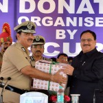 The DG, Border Security Force (BSF), Shri K.K. Sharma handing over the 1500 certificates to the Union Minister for Health & Family Welfare, Shri J.P. Nadda, pledging to donate their organs, at a function organised by the BSF in collaboration with National Organ and Tissue Transplant Organization (NOTTO),  in New Delhi on August 13, 2016.
