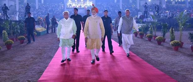 The Prime Minister, Shri Narendra Modi arrives at Haryana Swarna Jayanti Celebrations, in Gurugram, Haryana on November 01, 2016.  The Governor of Haryana, Prof. Kaptan Singh Solanki and the Chief Minister of Haryana, Shri Manohar Lal Khattar are also seen.