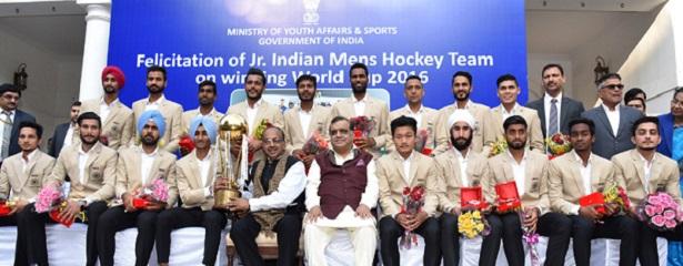 vijay-goel-hockey-team-indian-bureaucracy