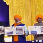 PM releasing postage stamp on 350th Prakash Utsav