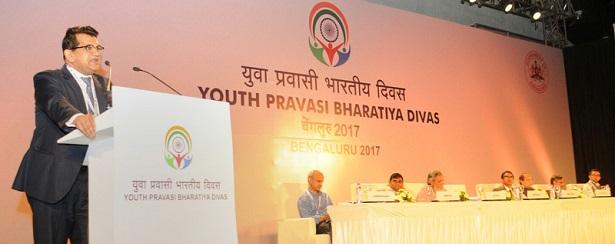 The CEO, NITI Aayog, Shri Amitabh Kant addressing at the Plenary Session II of the Youth Pravasi Bharatiya Divas 2017, in Bengaluru, Karnataka on January 07, 2017.