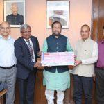 EdCIL pays 10 Crore dividend cheque to Prakash Javadekar