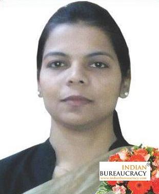 Varsha singh IAS