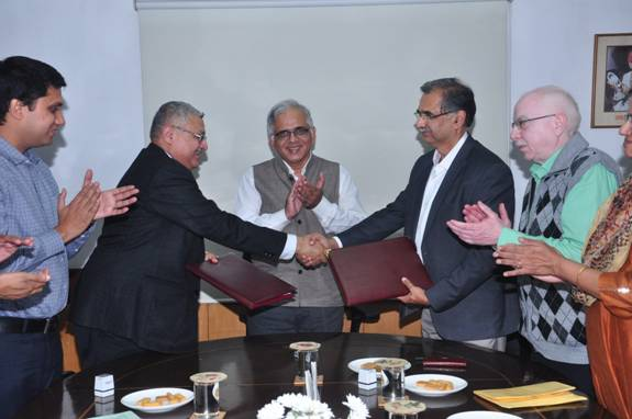 CSIR-IMTECH MOU with IIT Bombay for collaborative research