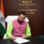 Prakash Javadekar takes charge as Heavy Industries